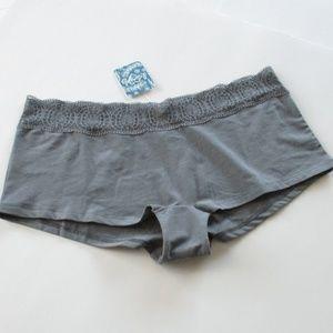 Free People Cotton Medallion Boy Shorts Size Large